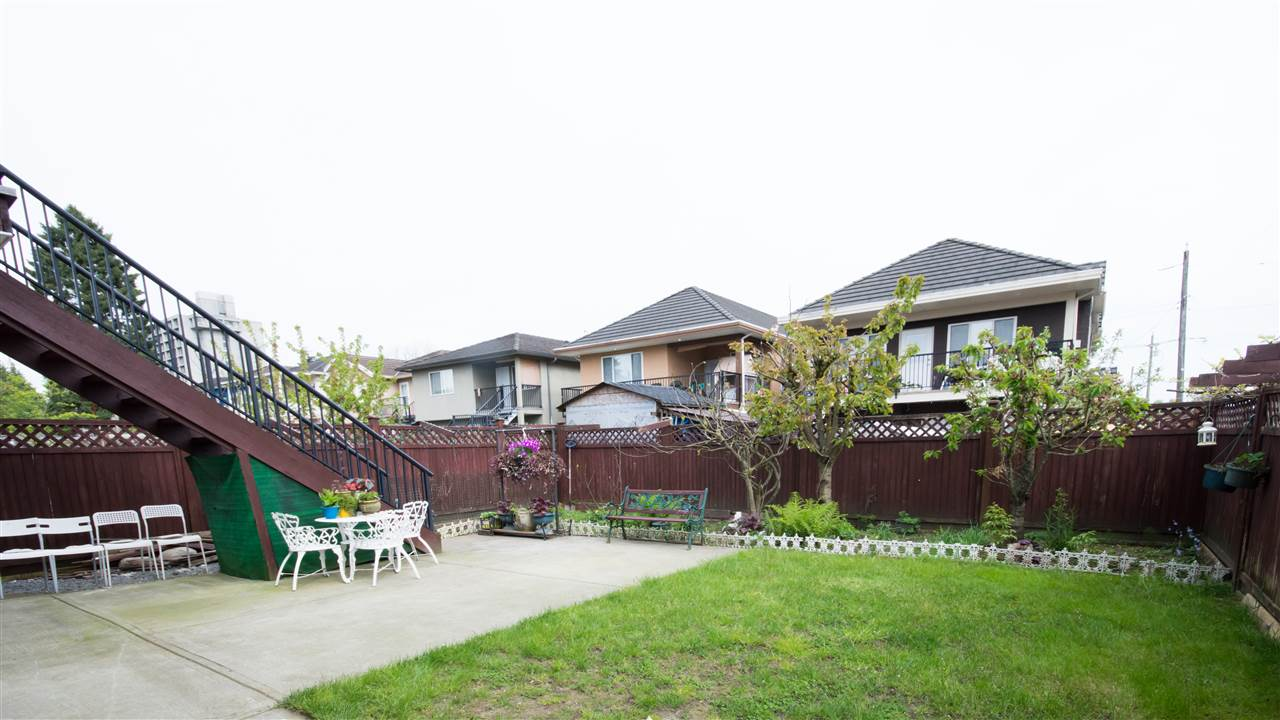 Detached at 7128 HUMPHRIES AVENUE, Burnaby South, British Columbia. Image 15