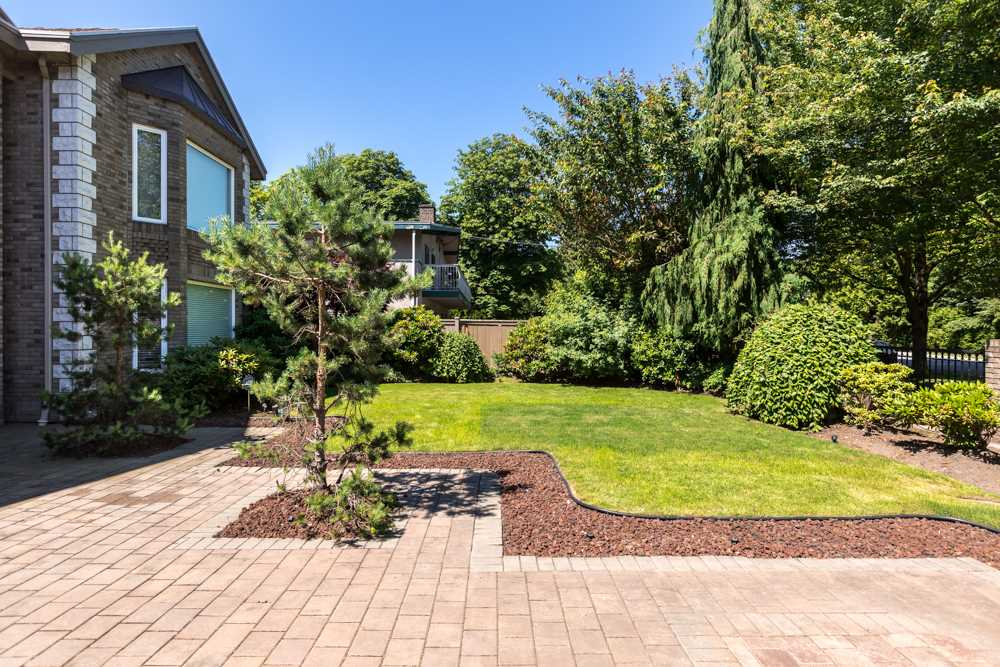 Detached at 6080 UDY ROAD, Richmond, British Columbia. Image 3