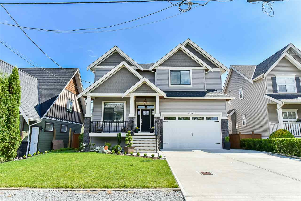Detached at 33642 ST OLAF AVENUE, Abbotsford, British Columbia. Image 1