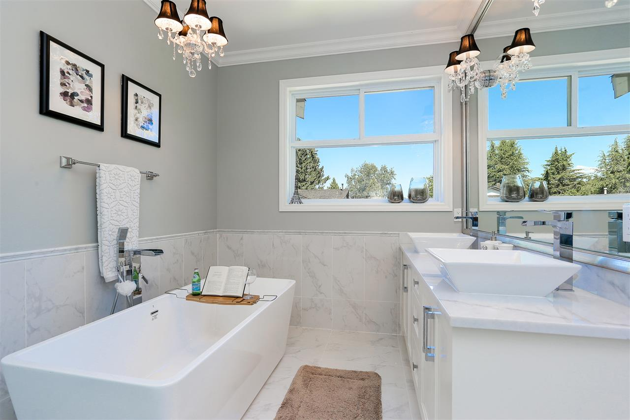 Detached at 4817 BAYTREE COURT, Burnaby South, British Columbia. Image 15