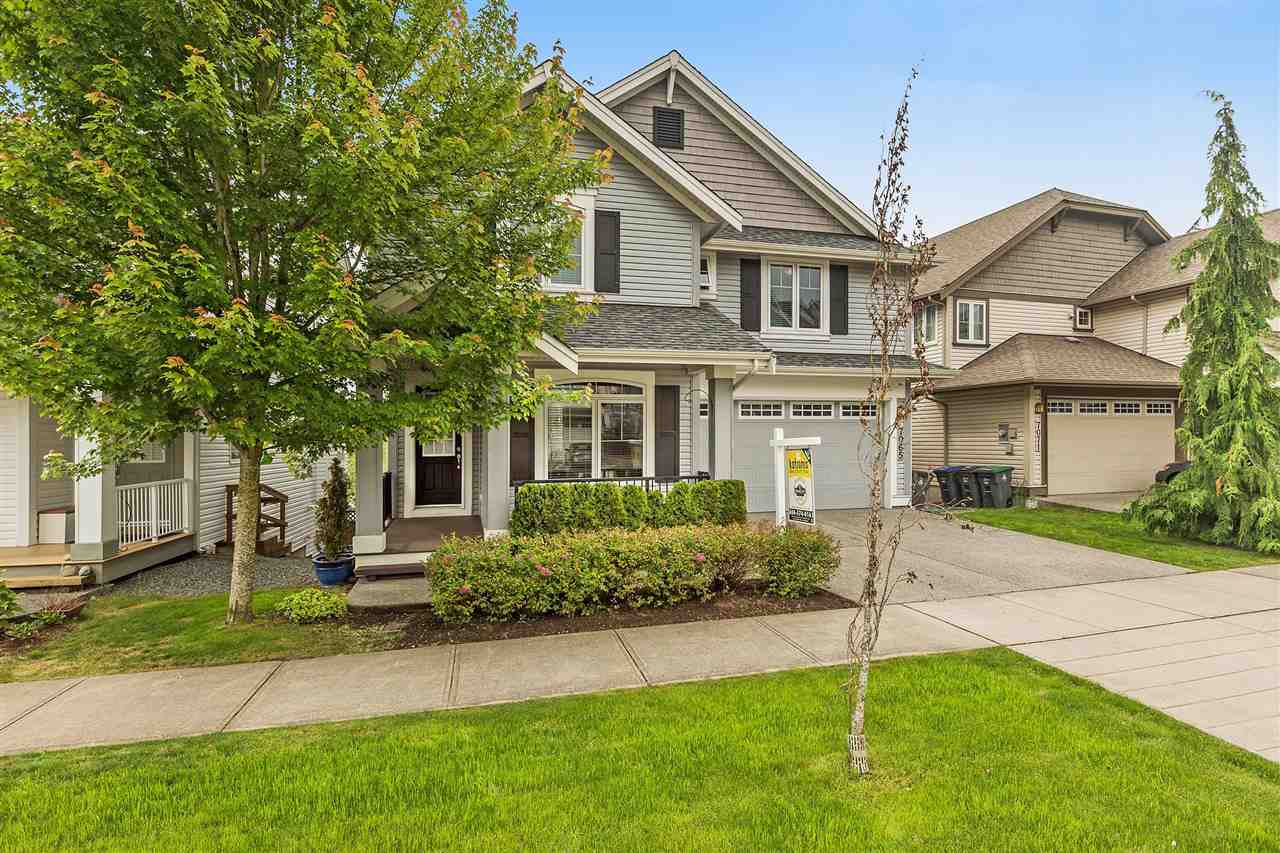 Detached at 7065 177A STREET, Cloverdale, British Columbia. Image 1