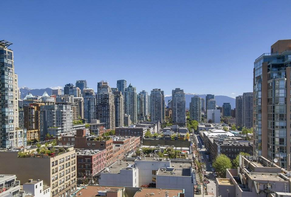 Condo Apartment at 1805 289 DRAKE STREET, Unit 1805, Vancouver West, British Columbia. Image 1