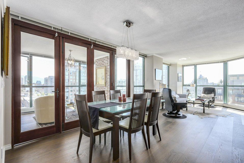 Condo Apartment at 1805 289 DRAKE STREET, Unit 1805, Vancouver West, British Columbia. Image 3