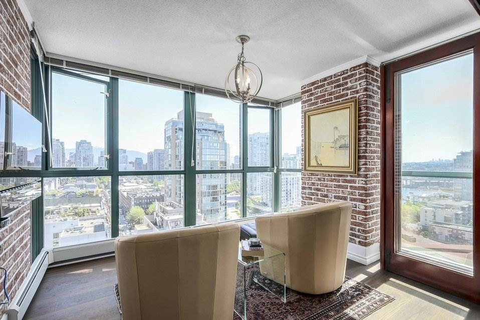 Condo Apartment at 1805 289 DRAKE STREET, Unit 1805, Vancouver West, British Columbia. Image 5