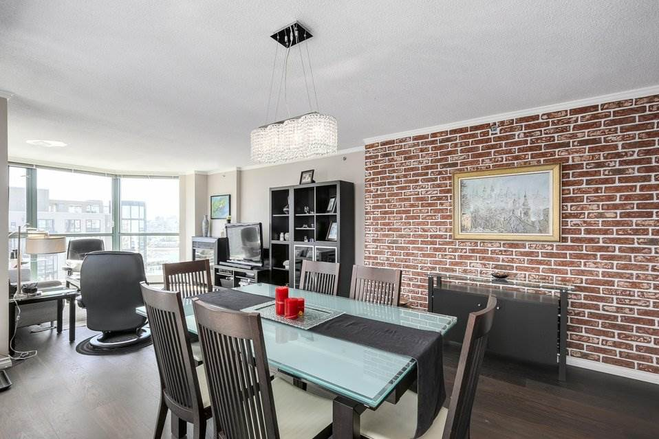 Condo Apartment at 1805 289 DRAKE STREET, Unit 1805, Vancouver West, British Columbia. Image 8