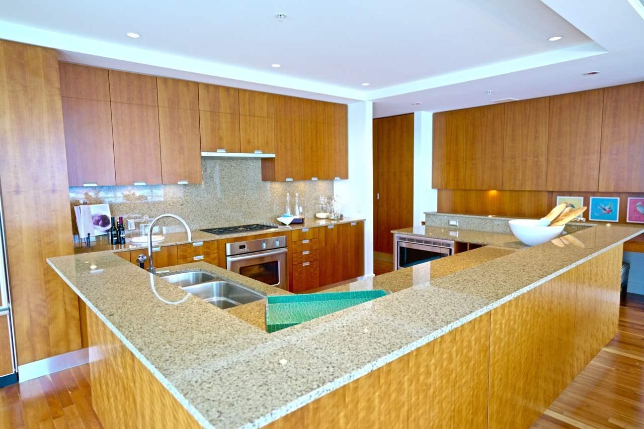 Condo Apartment at 3301 1077 W CORDOVA STREET, Unit 3301, Vancouver West, British Columbia. Image 12