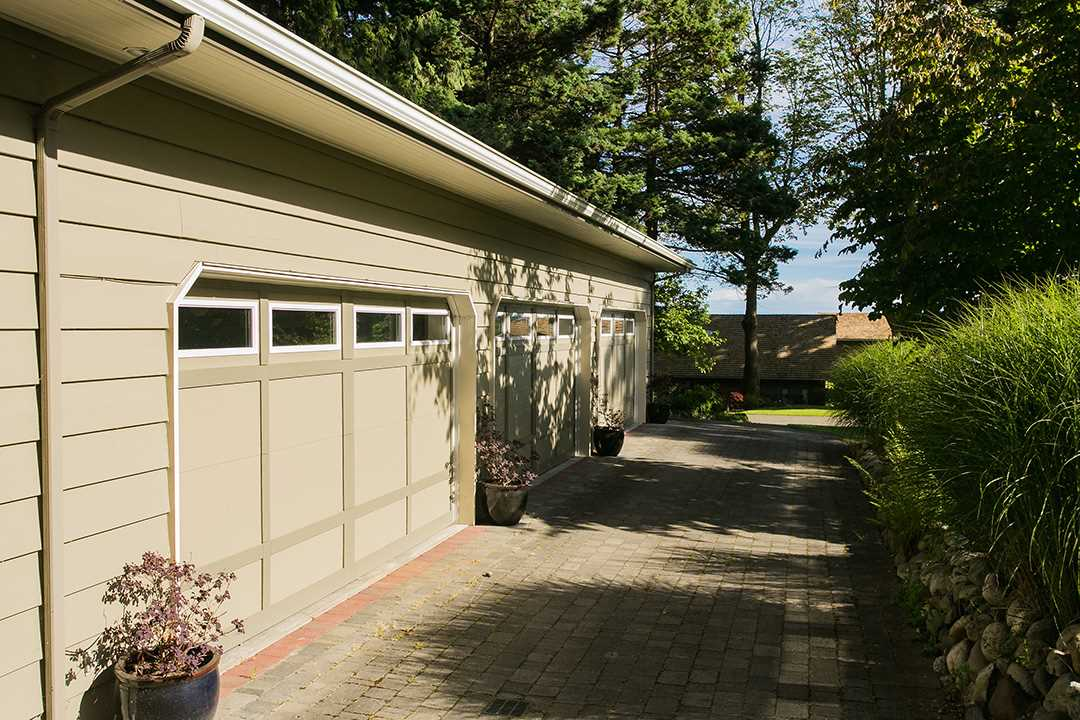Detached at 13848 56 AVENUE, Surrey, British Columbia. Image 20