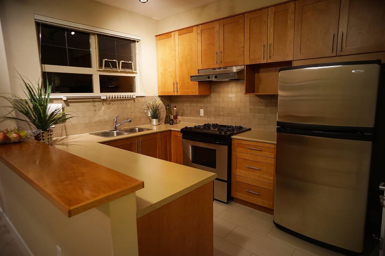 Condo Apartment at 418 2083 W 33RD AVENUE, Unit 418, Vancouver West, British Columbia. Image 6