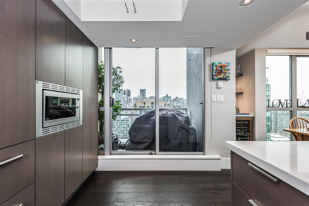 Condo Apartment at 2404 1238 RICHARDS STREET, Unit 2404, Vancouver West, British Columbia. Image 6