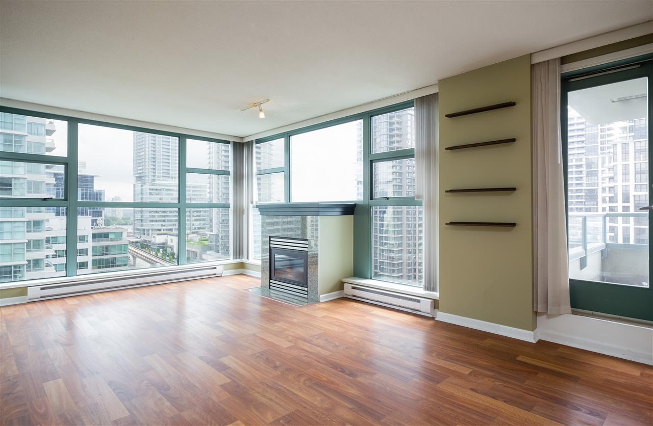 Condo Apartment at 1304 4388 BUCHANAN STREET, Unit 1304, Burnaby North, British Columbia. Image 4