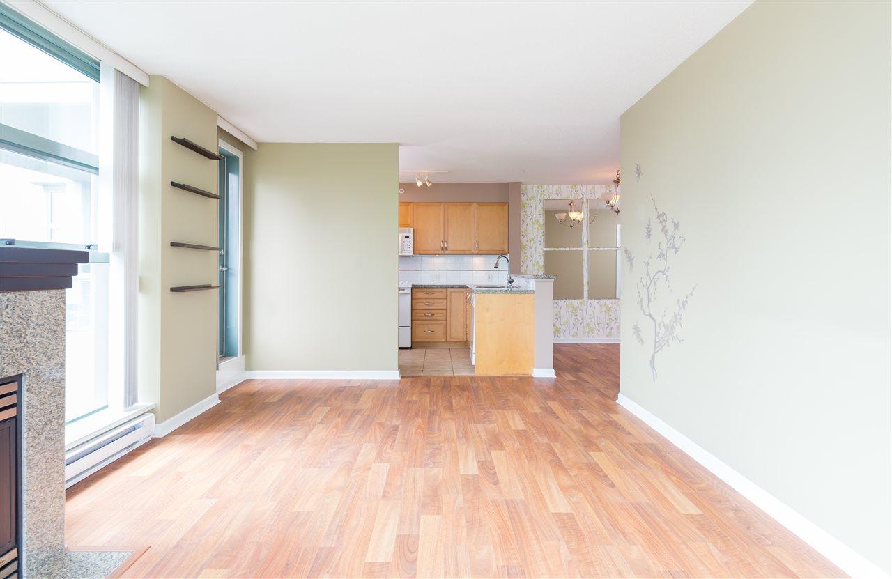 Condo Apartment at 1304 4388 BUCHANAN STREET, Unit 1304, Burnaby North, British Columbia. Image 5