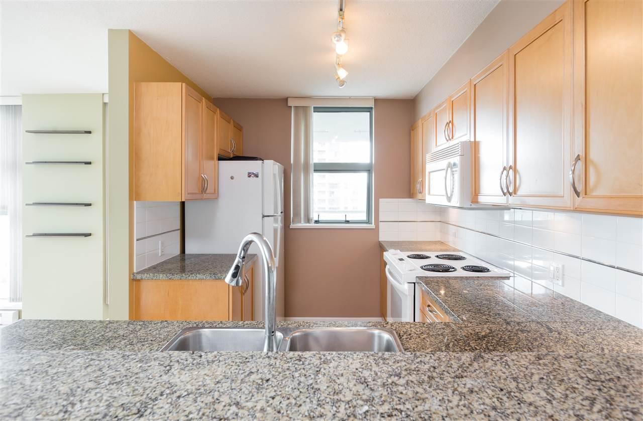 Condo Apartment at 1304 4388 BUCHANAN STREET, Unit 1304, Burnaby North, British Columbia. Image 6