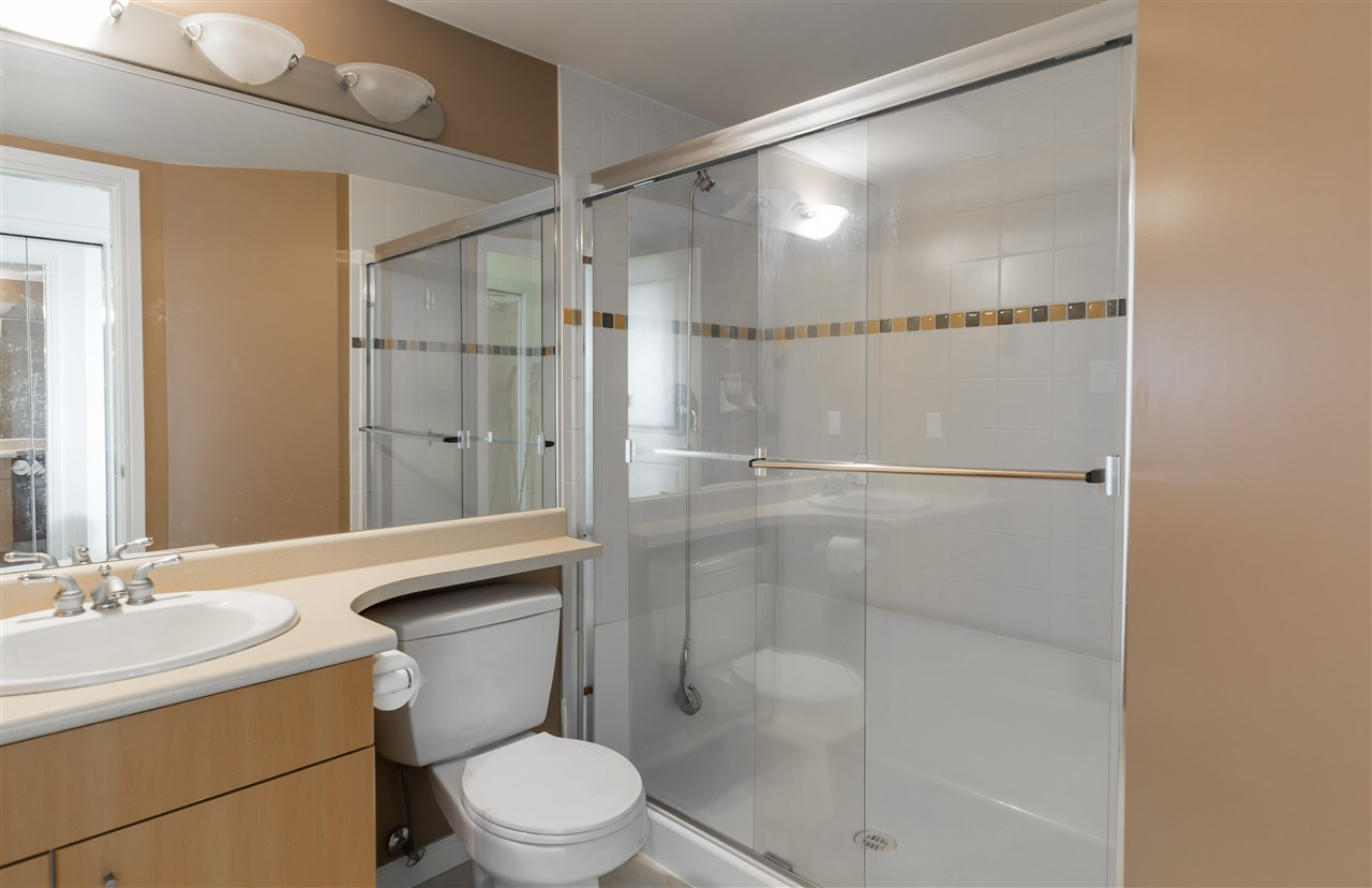 Condo Apartment at 1304 4388 BUCHANAN STREET, Unit 1304, Burnaby North, British Columbia. Image 11