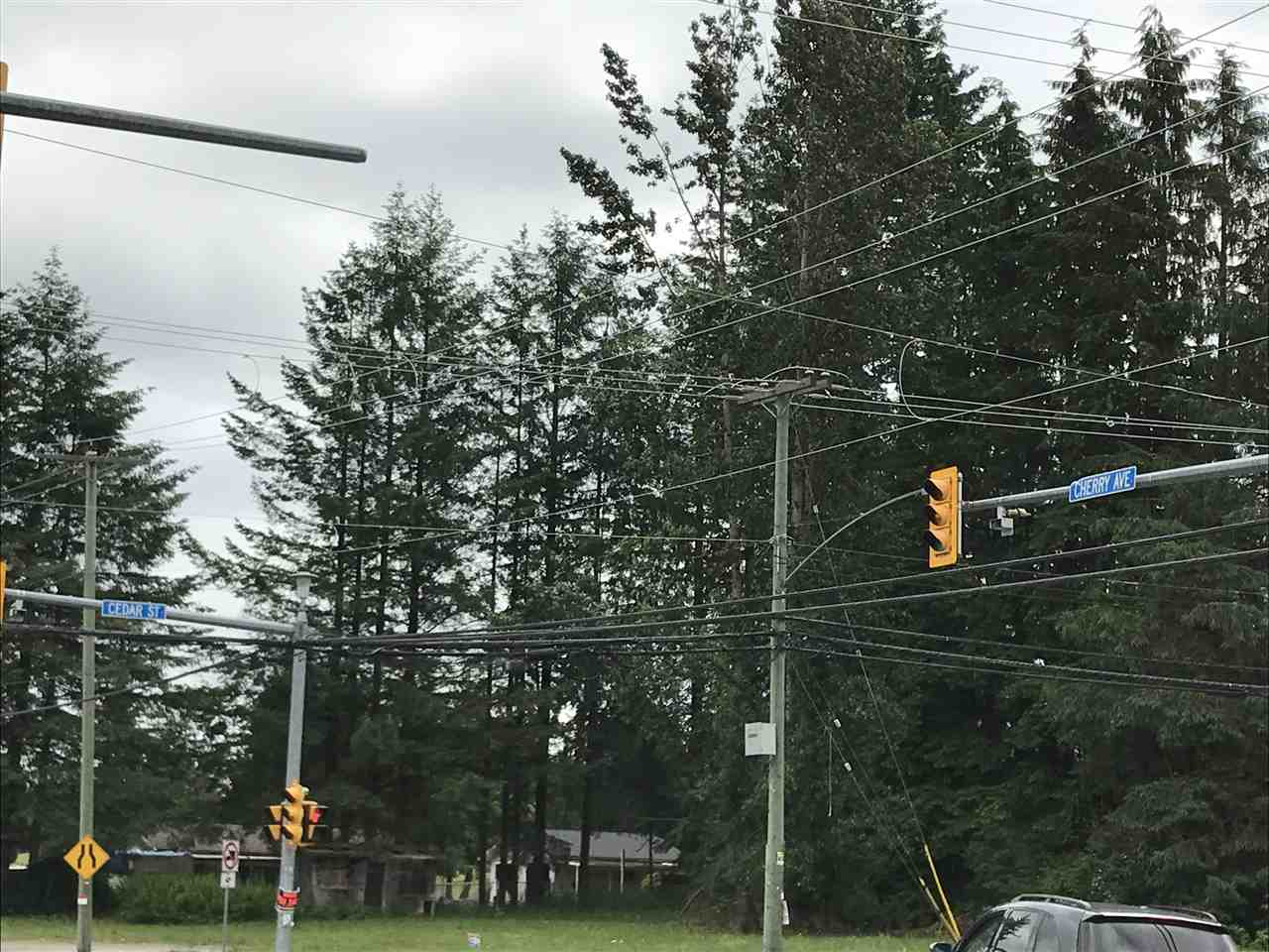 Detached at 8423 CEDAR STREET, Mission, British Columbia. Image 3