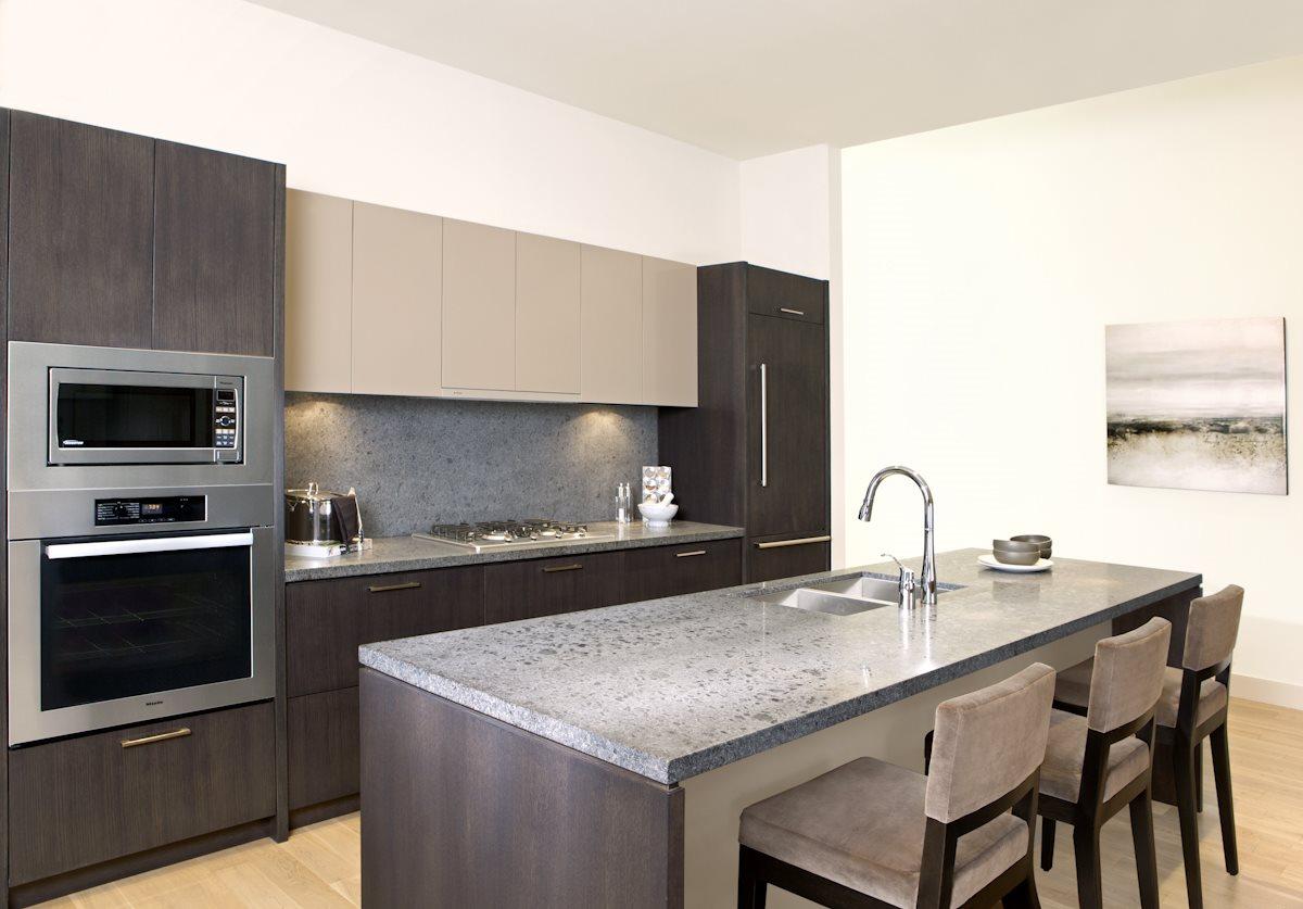 Condo Apartment at 102 768 ARTHUR ERICKSON PLACE, Unit 102, West Vancouver, British Columbia. Image 2
