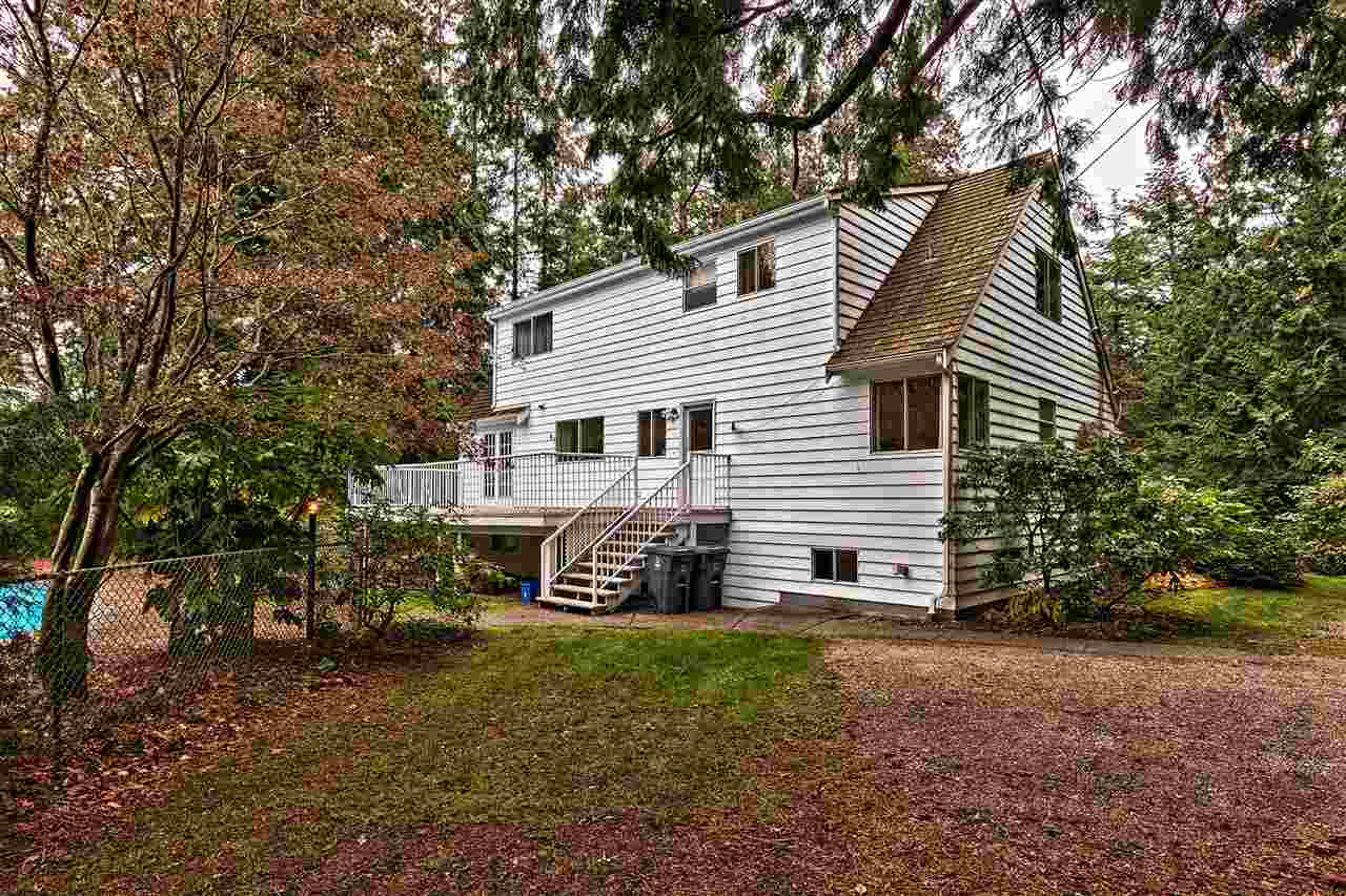 Detached at 3023 BALSAM CRESCENT, South Surrey White Rock, British Columbia. Image 13