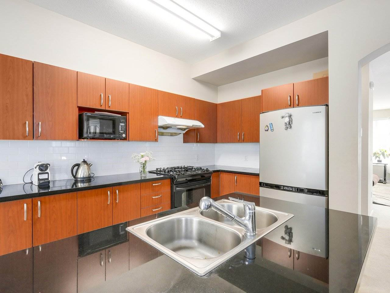 Townhouse at 157 9133 GOVERNMENT STREET, Unit 157, Burnaby North, British Columbia. Image 6