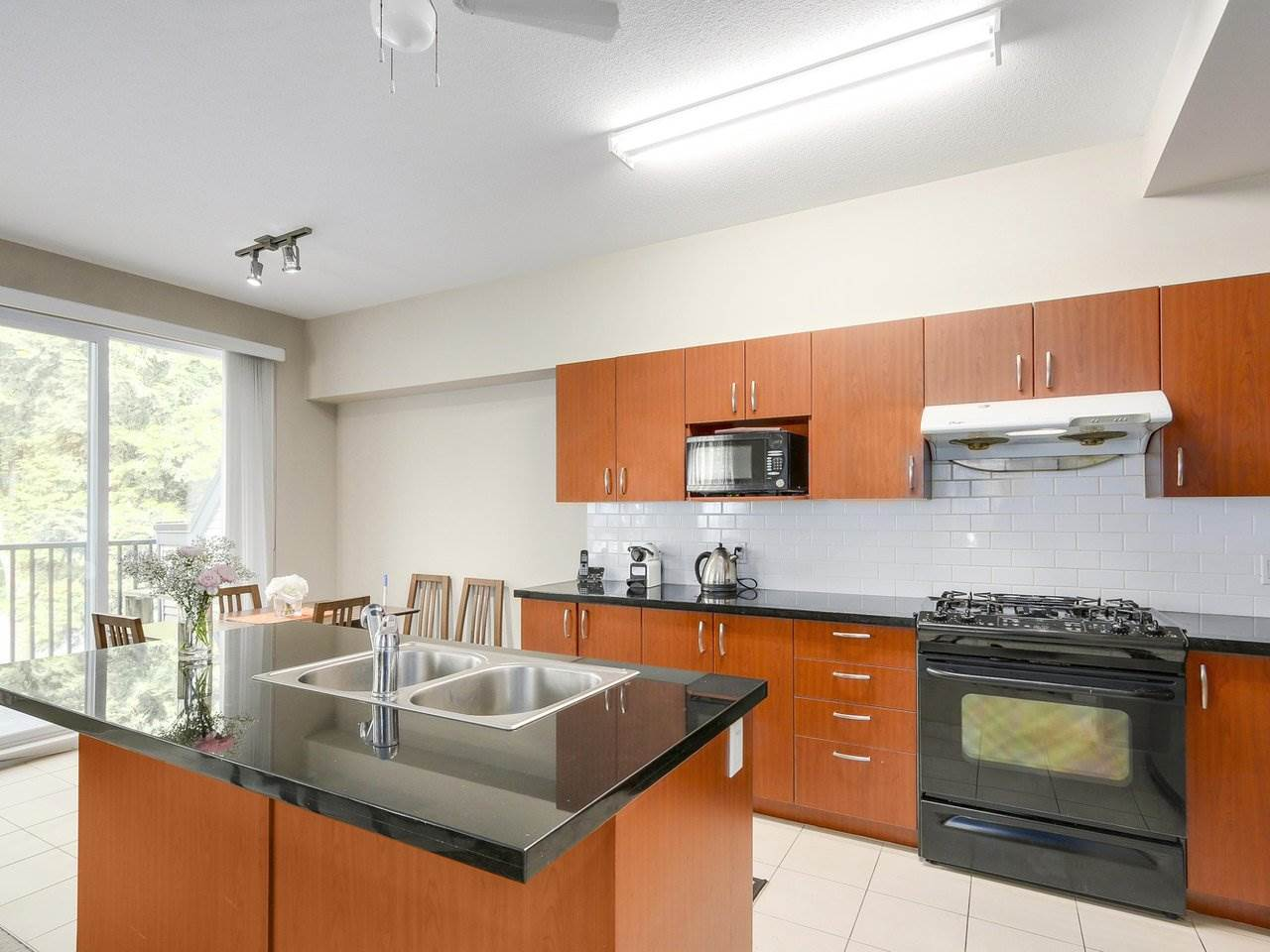Townhouse at 157 9133 GOVERNMENT STREET, Unit 157, Burnaby North, British Columbia. Image 7