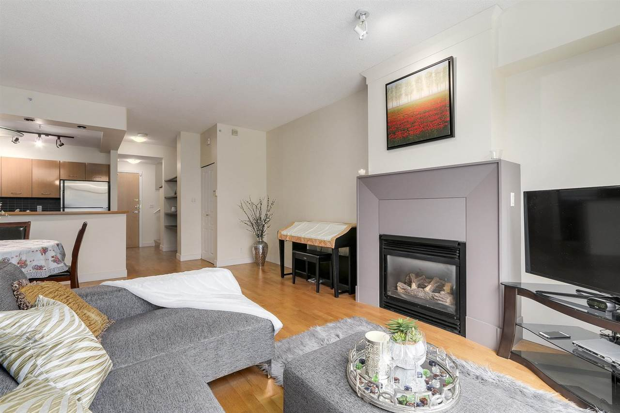 Townhouse at 2276 REDBUD LANE, Vancouver West, British Columbia. Image 6