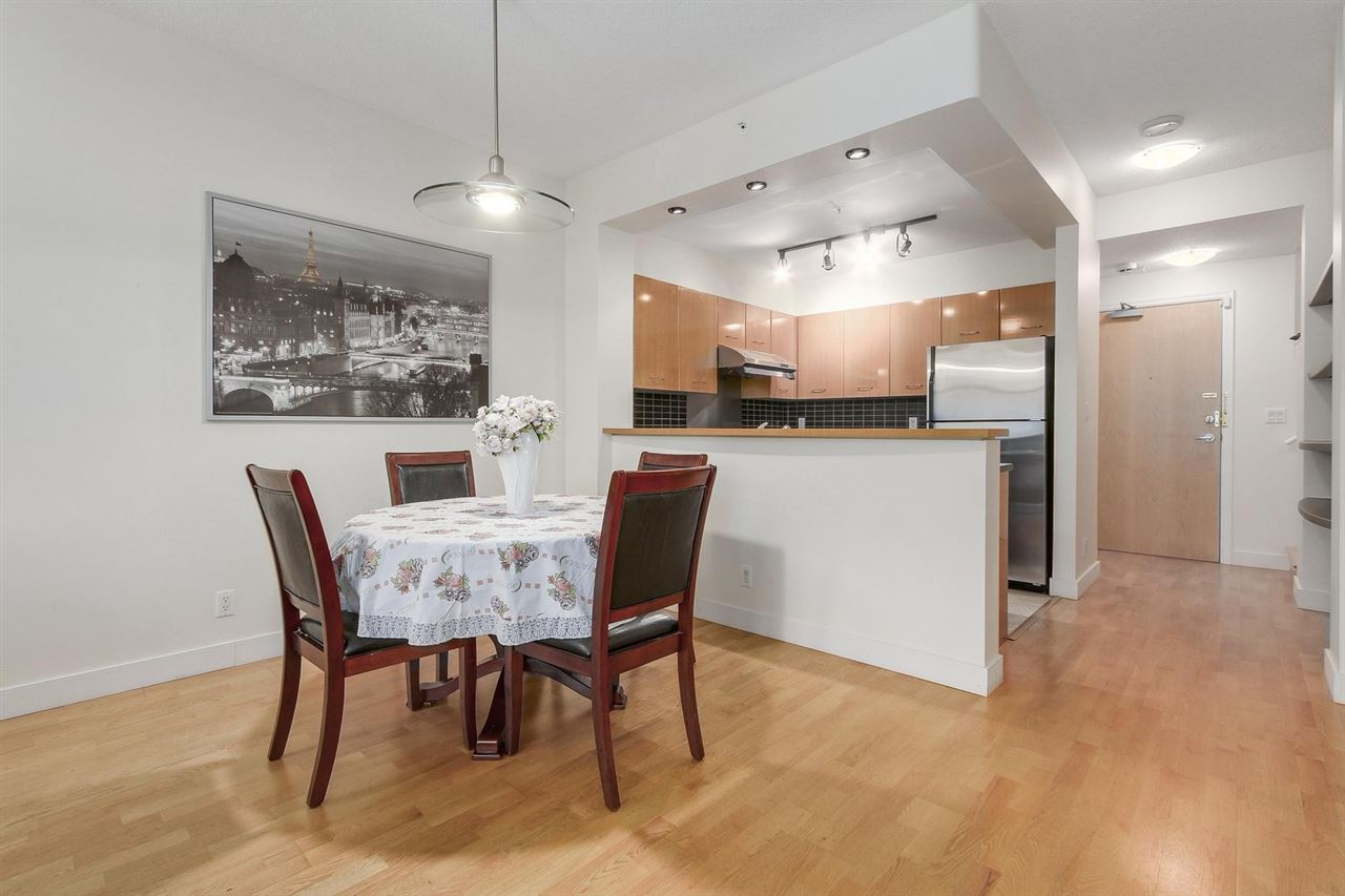 Townhouse at 2276 REDBUD LANE, Vancouver West, British Columbia. Image 8