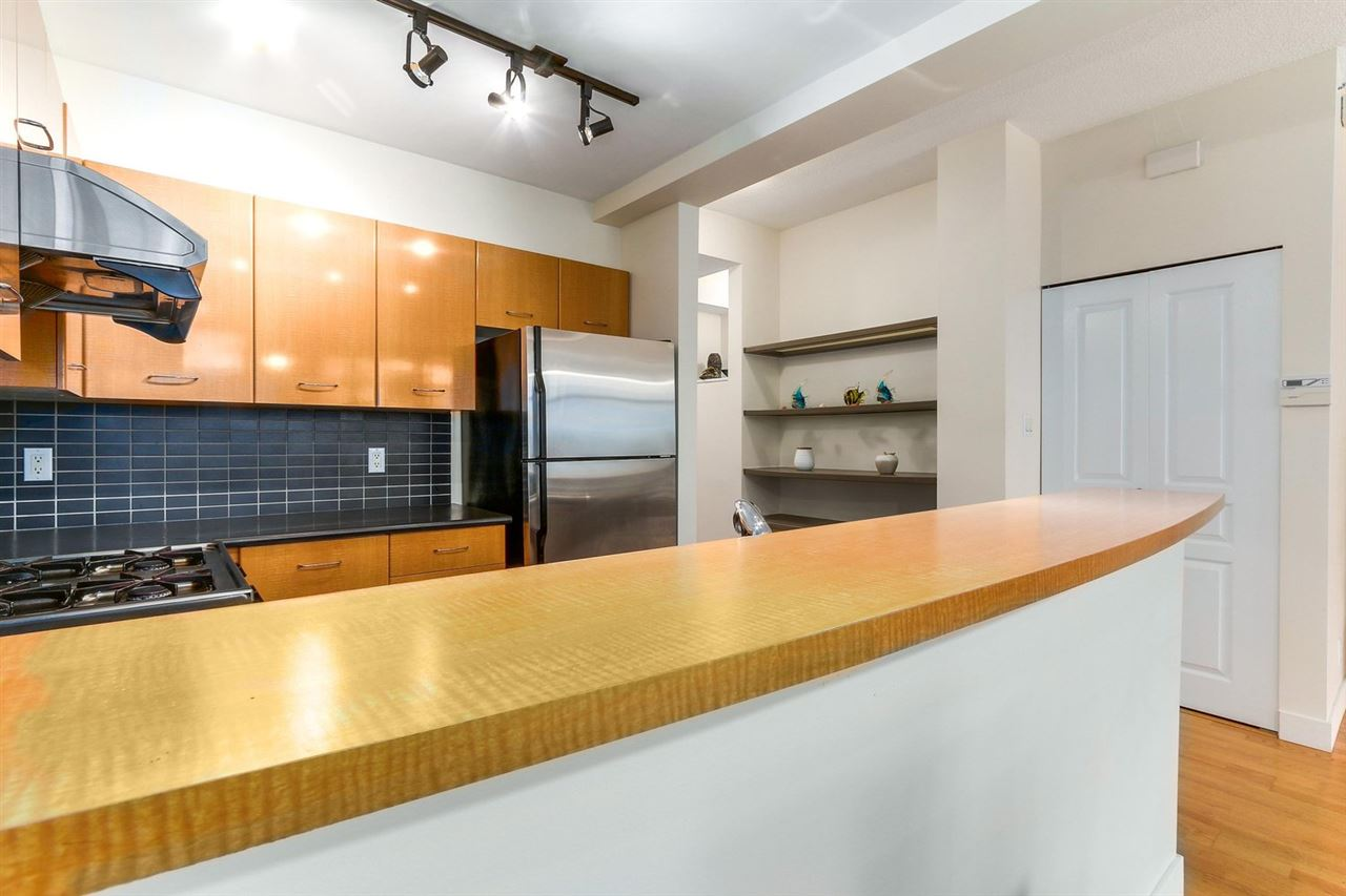 Townhouse at 2276 REDBUD LANE, Vancouver West, British Columbia. Image 9