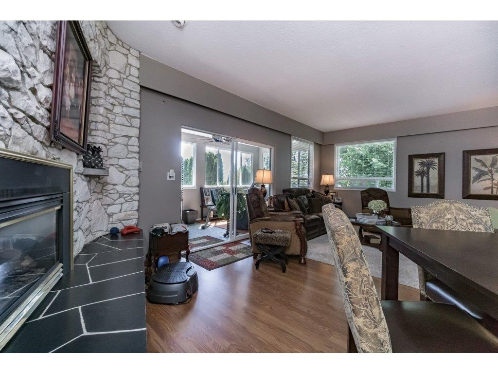 Detached at 1350 PARKER STREET, South Surrey White Rock, British Columbia. Image 3