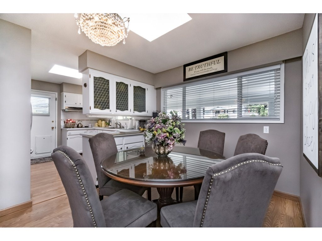 Detached at 1350 PARKER STREET, South Surrey White Rock, British Columbia. Image 5