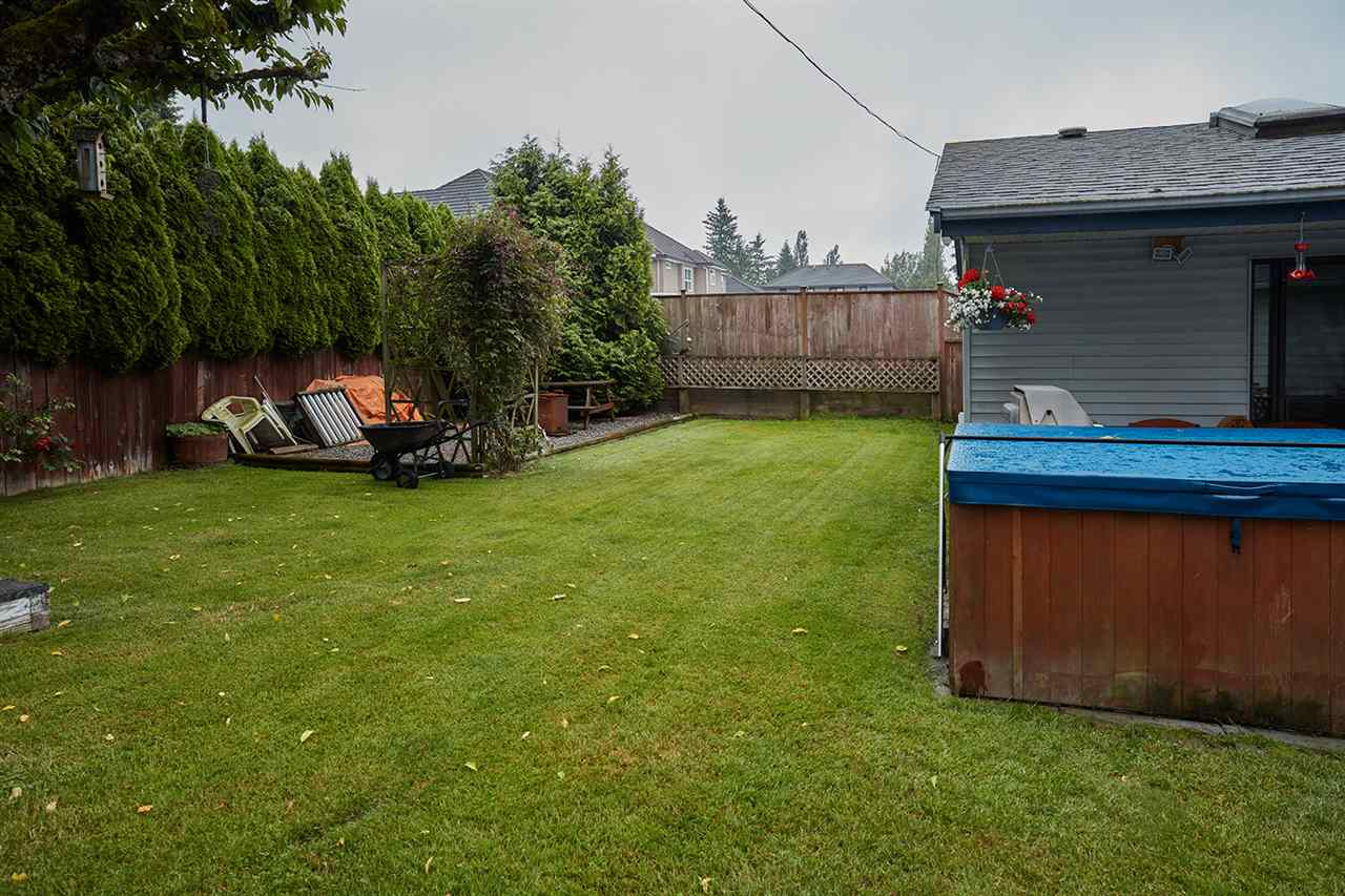 Detached at 6864 KILBURN PLACE, Surrey, British Columbia. Image 17