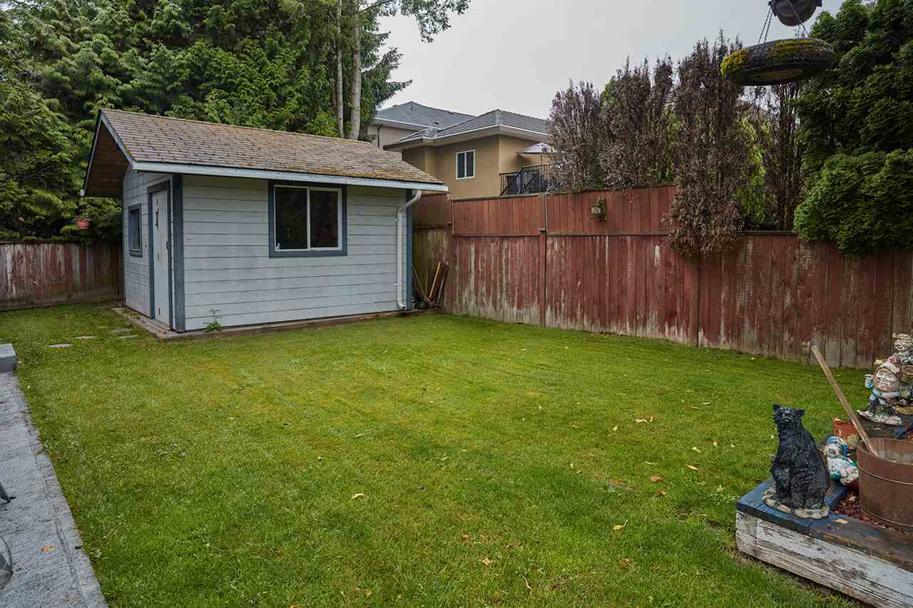 Detached at 6864 KILBURN PLACE, Surrey, British Columbia. Image 19