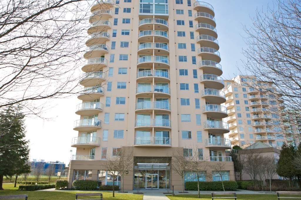 Condo Apartment at 901 7760 GRANVILLE AVENUE, Unit 901, Richmond, British Columbia. Image 2