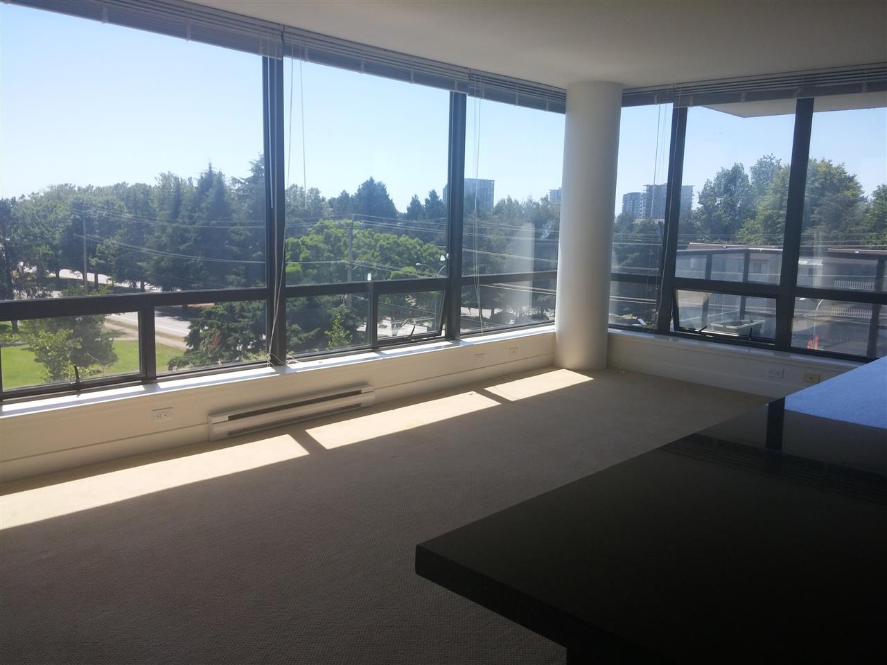 Condo Apartment at 701 9188 COOK ROAD, Unit 701, Richmond, British Columbia. Image 5