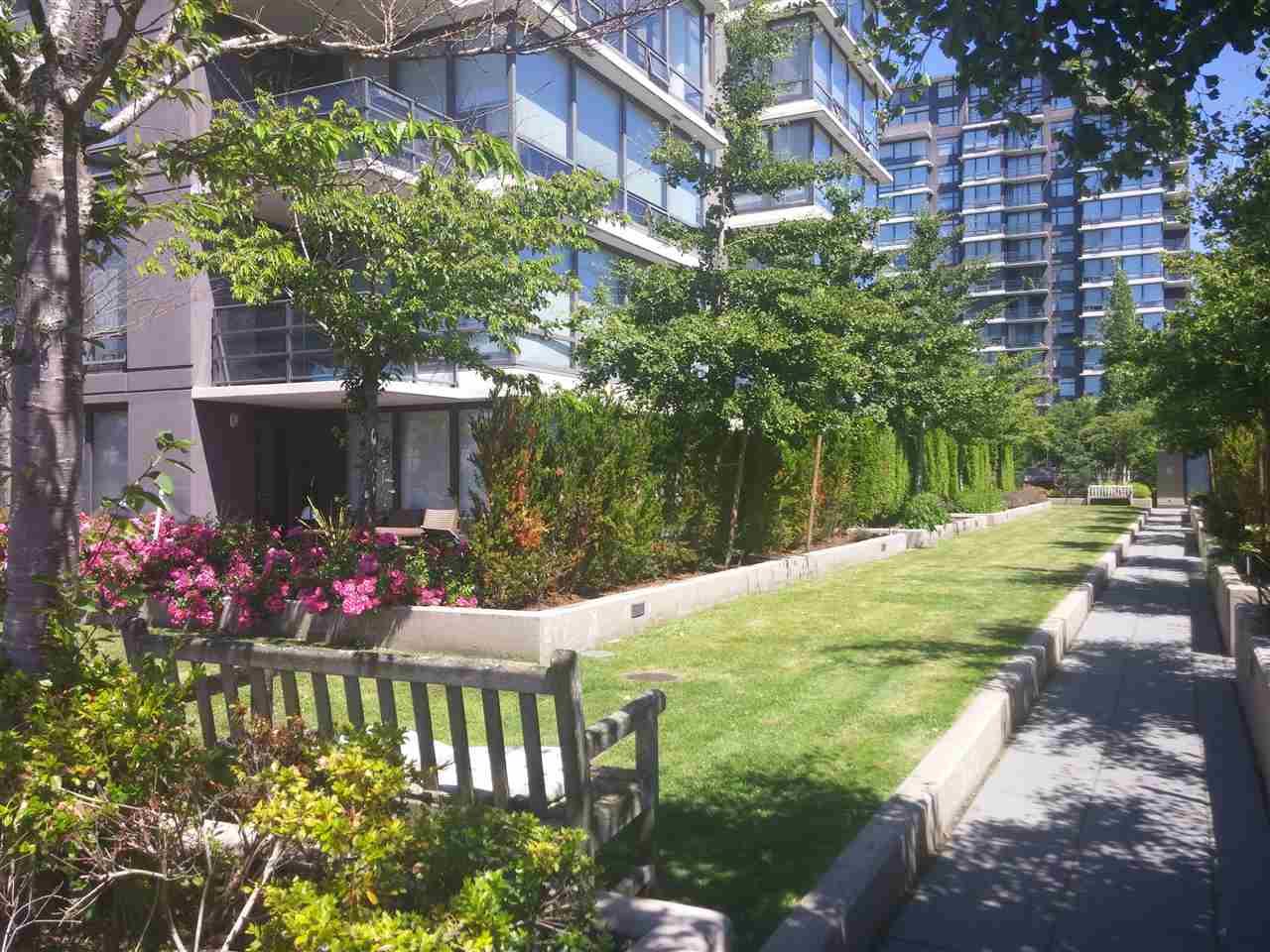 Condo Apartment at 701 9188 COOK ROAD, Unit 701, Richmond, British Columbia. Image 15