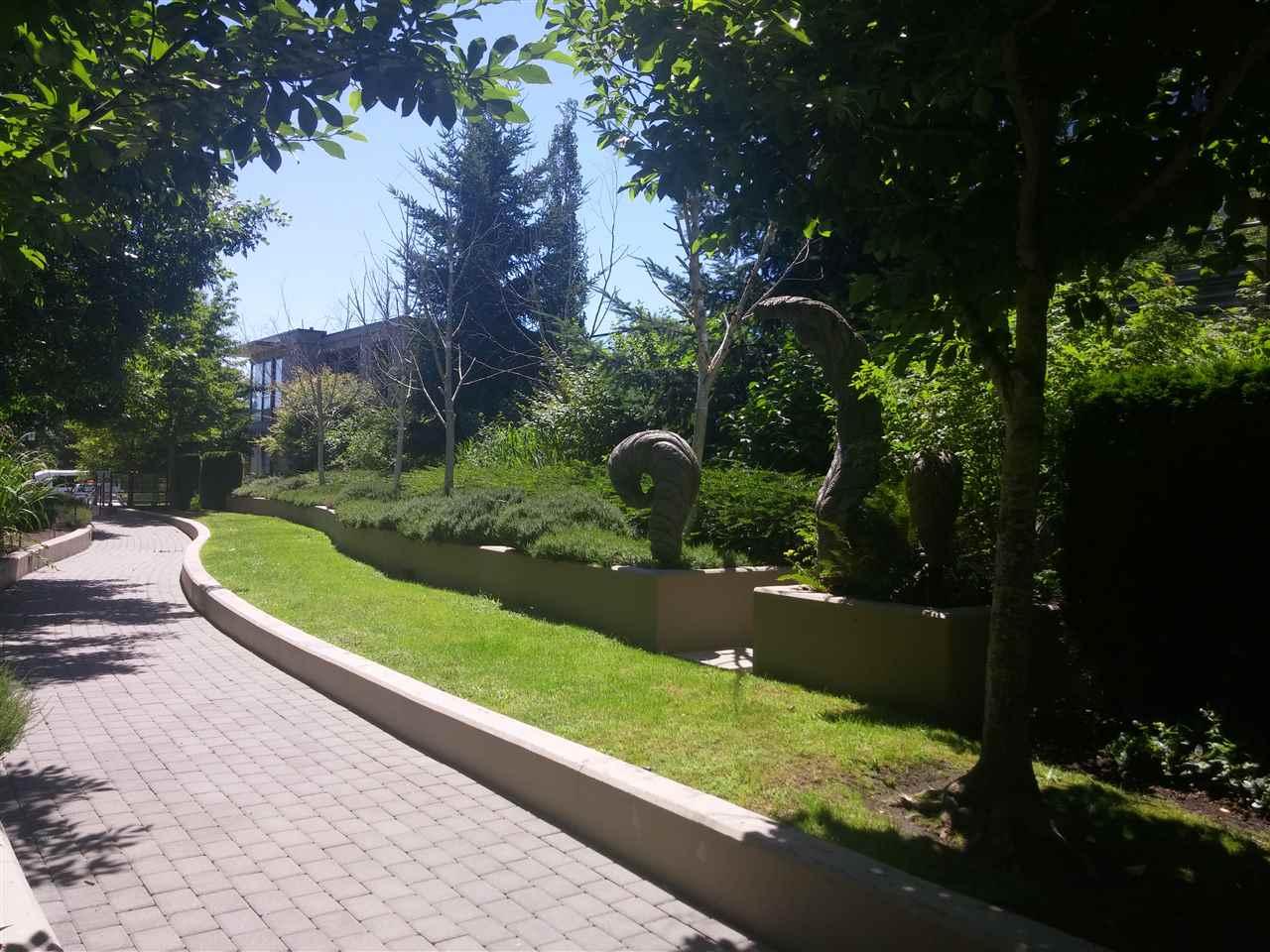 Condo Apartment at 701 9188 COOK ROAD, Unit 701, Richmond, British Columbia. Image 16