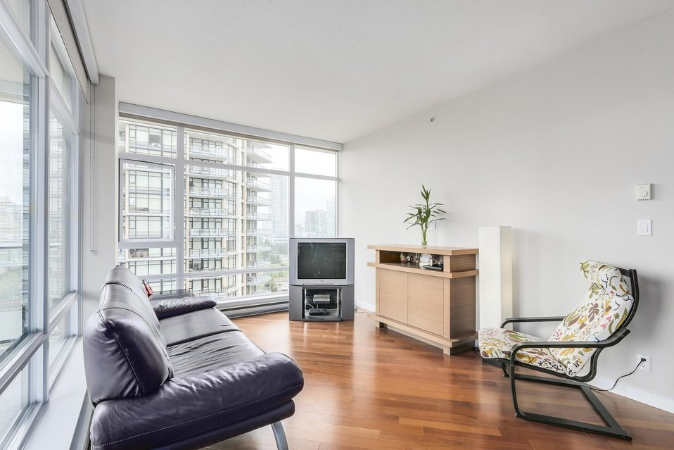 Condo Apartment at 1001 6188 WILSON AVENUE, Unit 1001, Burnaby South, British Columbia. Image 3