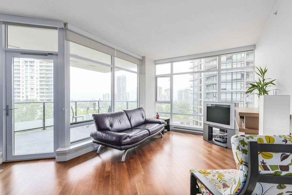 Condo Apartment at 1001 6188 WILSON AVENUE, Unit 1001, Burnaby South, British Columbia. Image 4