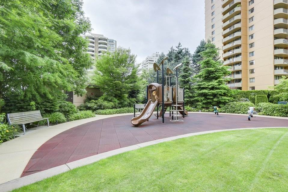 Condo Apartment at 1001 6188 WILSON AVENUE, Unit 1001, Burnaby South, British Columbia. Image 19