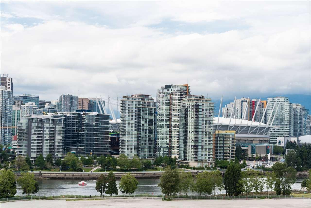 Condo Apartment at 1102 1833 CROWE STREET, Unit 1102, Vancouver West, British Columbia. Image 12