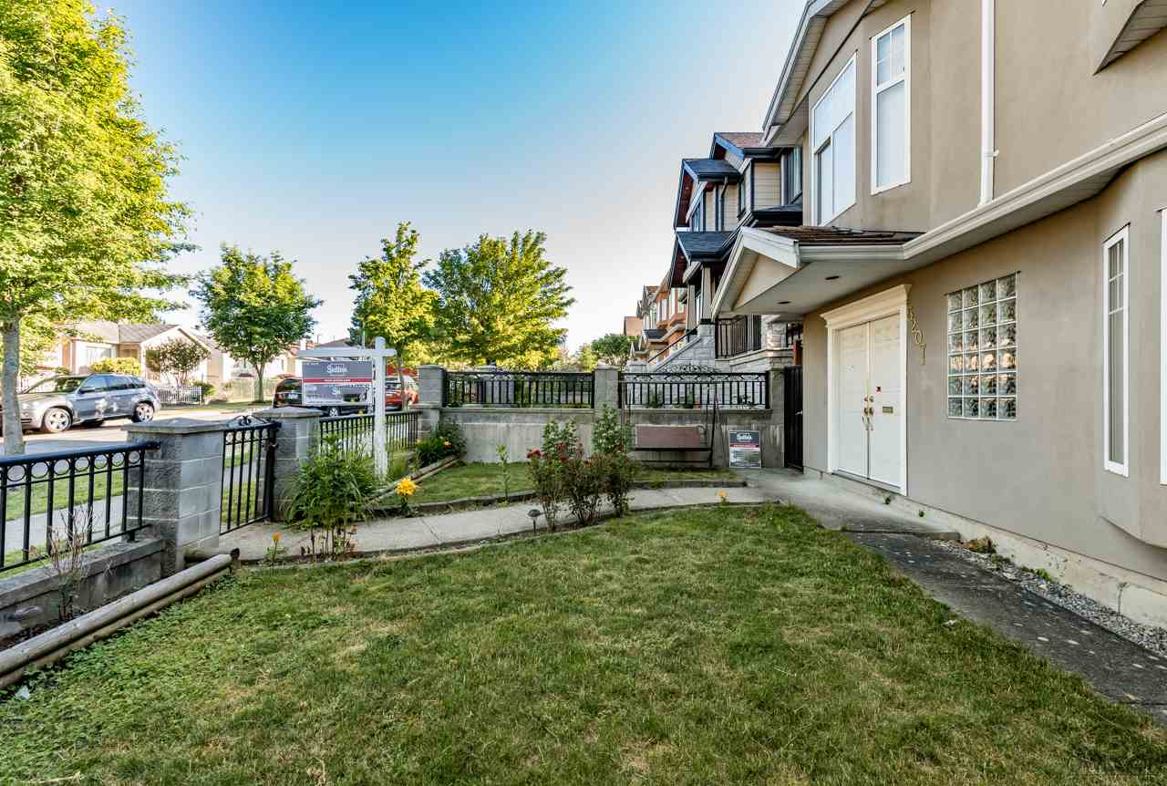Detached at 5207 KILLARNEY STREET, Vancouver East, British Columbia. Image 2