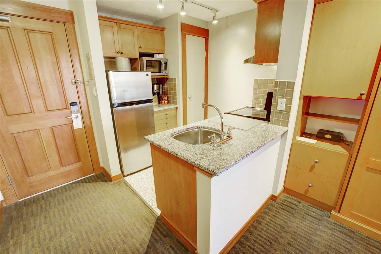 Condo Apartment at 420 4320 SUNDIAL CRESCENT, Unit 420, Whistler, British Columbia. Image 5