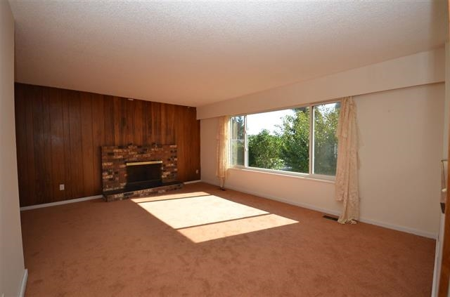 Detached at 26889 28TH AVENUE, Langley, British Columbia. Image 6