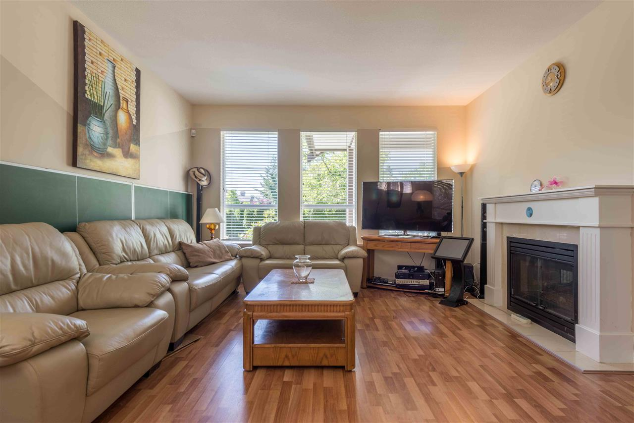 Townhouse at 8 8250 158 STREET, Unit 8, Surrey, British Columbia. Image 5