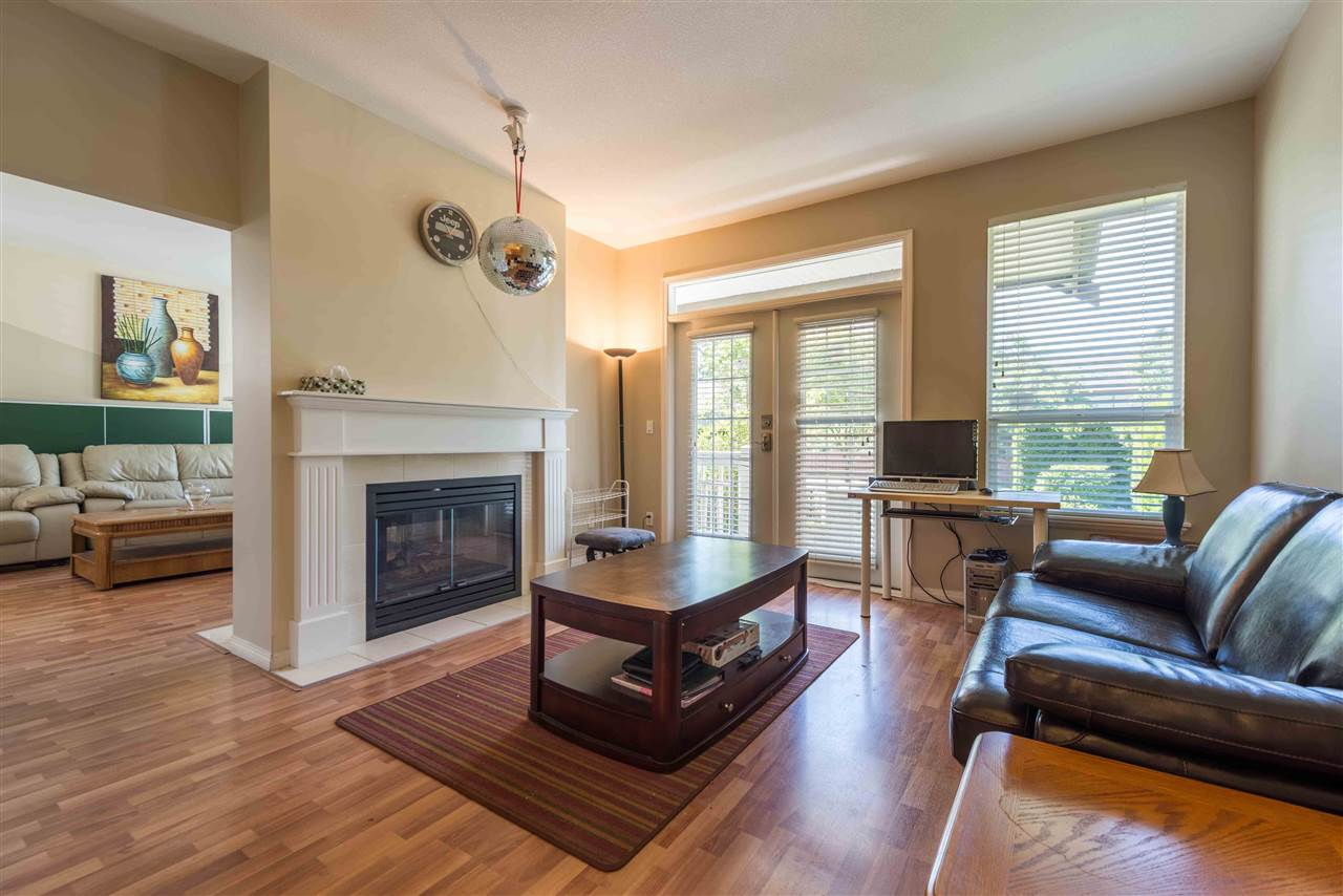 Townhouse at 8 8250 158 STREET, Unit 8, Surrey, British Columbia. Image 8