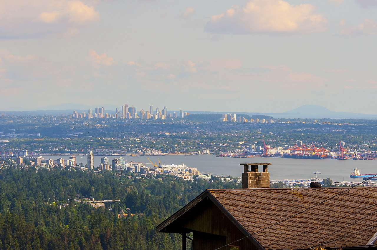 Detached at 497 CRAIGMOHR DRIVE, West Vancouver, British Columbia. Image 1