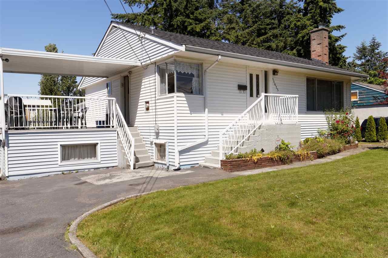 Detached at 11625 72 AVENUE, N. Delta, British Columbia. Image 1