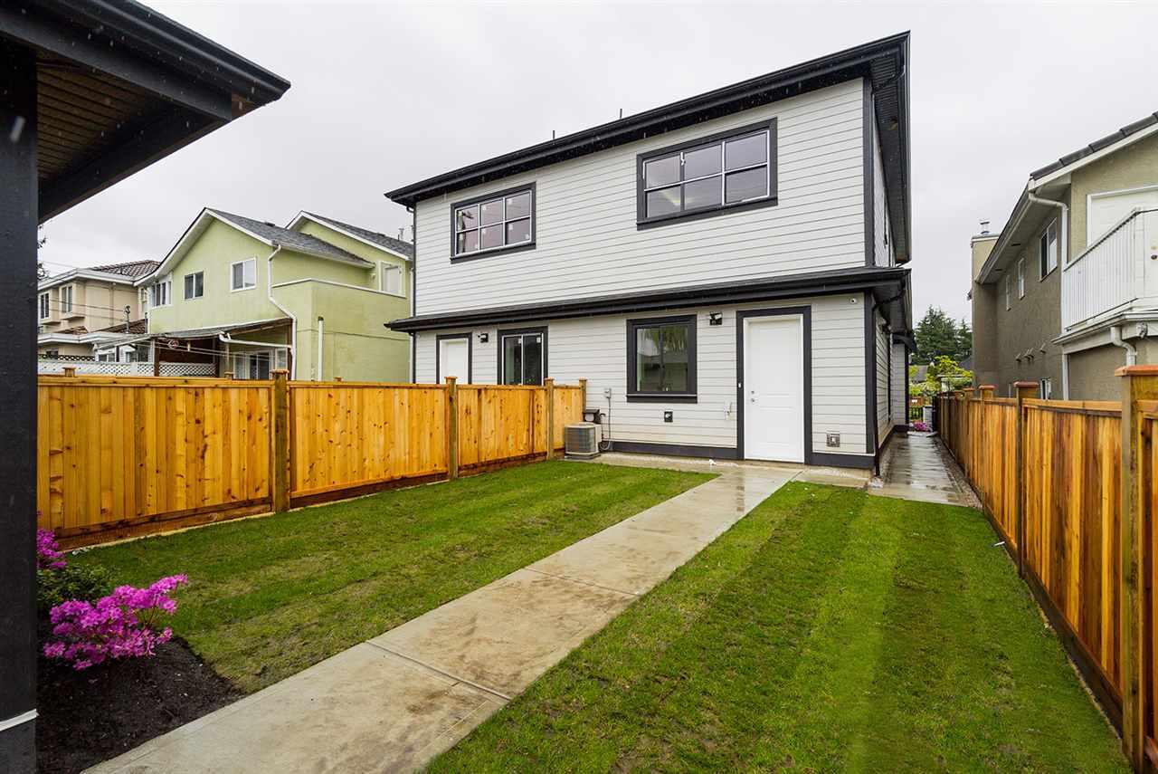 Half-duplex at 8559 MONTCALM STREET, Vancouver West, British Columbia. Image 19