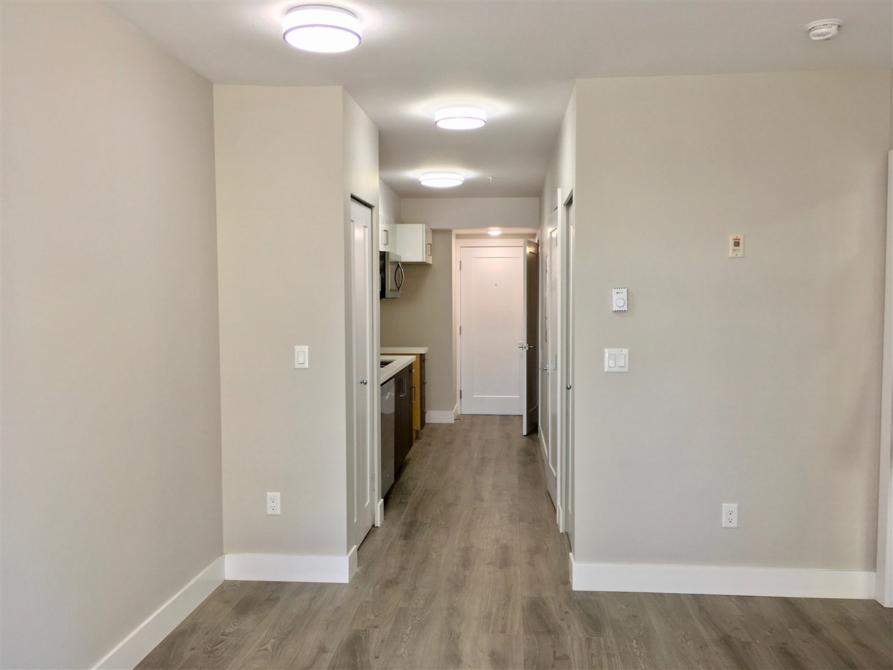 Condo Apartment at 207 3939 KNIGHT STREET, Unit 207, Vancouver East, British Columbia. Image 4