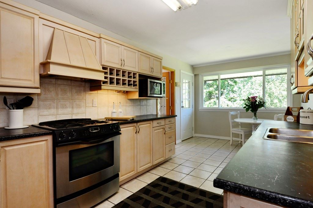 Detached at 5153 N WHITWORTH CRESCENT, Ladner, British Columbia. Image 3