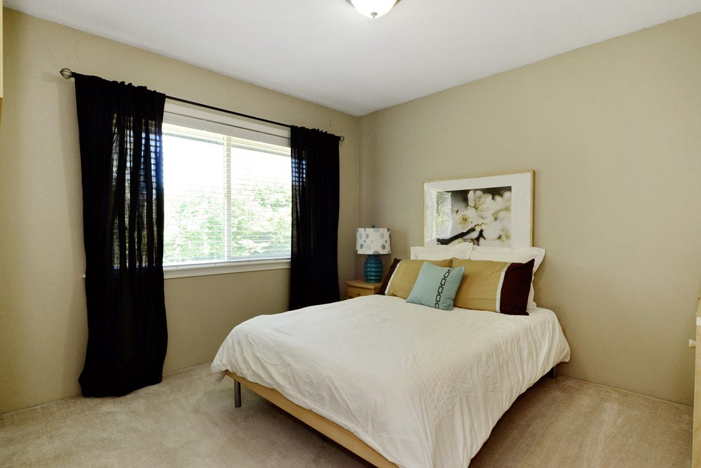 Detached at 5153 N WHITWORTH CRESCENT, Ladner, British Columbia. Image 12