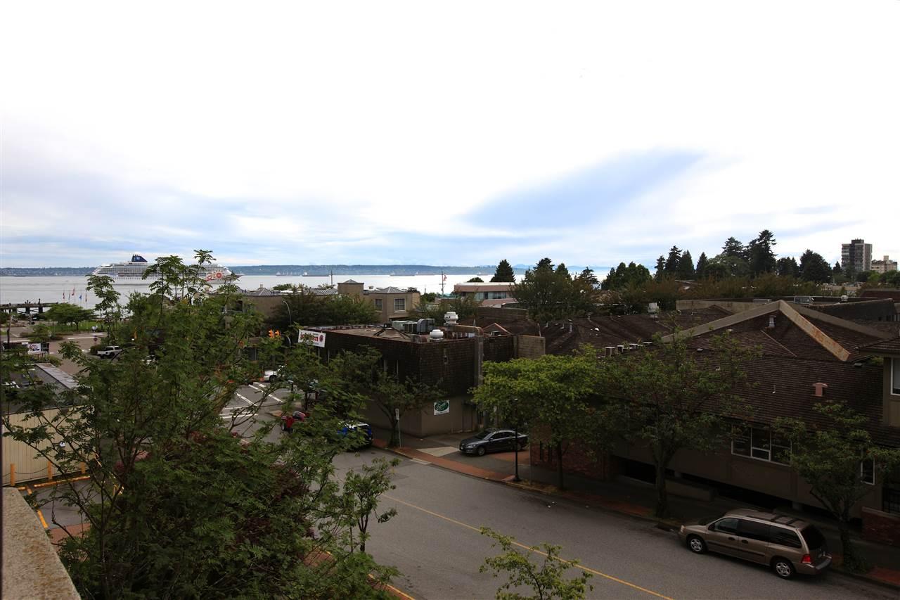 Condo Apartment at 302 460 14TH STREET, Unit 302, West Vancouver, British Columbia. Image 13