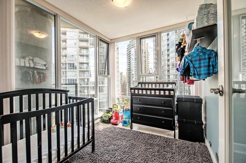 Condo Apartment at 1907 583 BEACH CRESCENT, Unit 1907, Vancouver West, British Columbia. Image 9